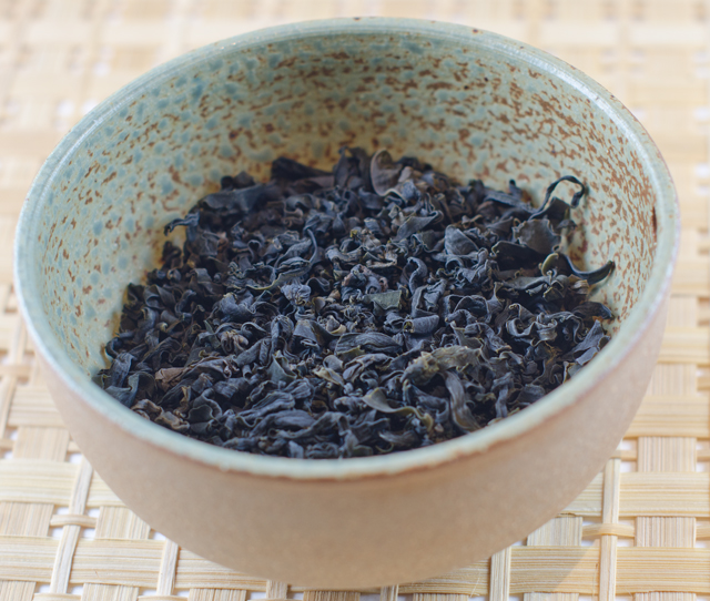 Dried wakame.